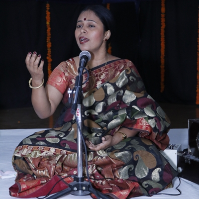 Dr. Nabanita Chowdhary giving Vocal Recital at 224th Monthly Baithak programme