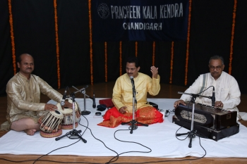 Pt. Yadavraj with accompanists in 225th Baithak