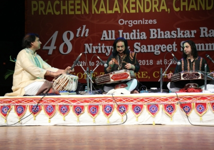 Pt. Bhajan Sopori & Abhay Sopori along with Akram Khan on Tablain 48th sammelan of Kendra