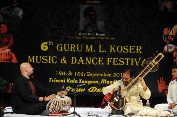 Pt. Kushal Das accompanied by Anubrata Chatterjee in 6th Guru M.L. Koser festival of Music and Dance