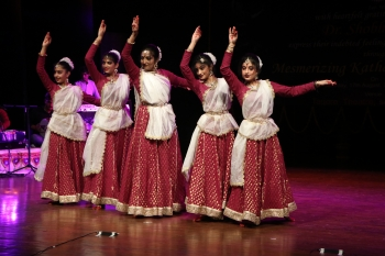 Purva along with her troupe in special programme(1)