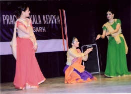 A Special Programme of Kathak Dance by Usha Gupta & troupe from Cananda