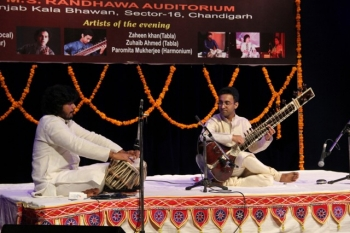 dhruv_bedi_with_zuheb_khan_at_sitar_festival