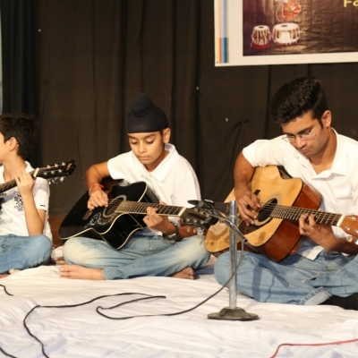 children performing in Annual function of Kendra1-min