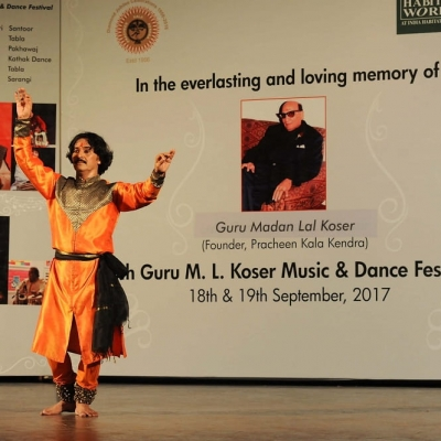 Guru Rajendra Gangani performing in 5th Guru M.L. Koser festival of Music and Dance-min
