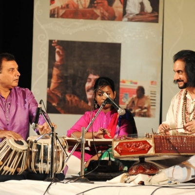 Pt. Bhajan Sopori presenting Santoor recital in 5th Guru M.L. Koser festival of Music and Dance-min