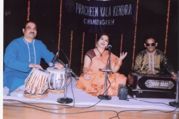 11 July, Anshu Thapliyal performing at 201st Monthly Baithak Programme