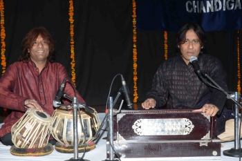 11 March Ramesh Parihar, performing at 197th Monthly Baithak Prog.