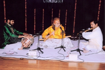 Buddhadev Chatterjee at 209th MOnthly Baithak Programme