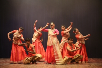 Yasmin Singh & troupe performing in concluding day of Kathak Utsav organised by Pracheen Kala Kendra and kathak kendra at Punjab Kala Bhawan